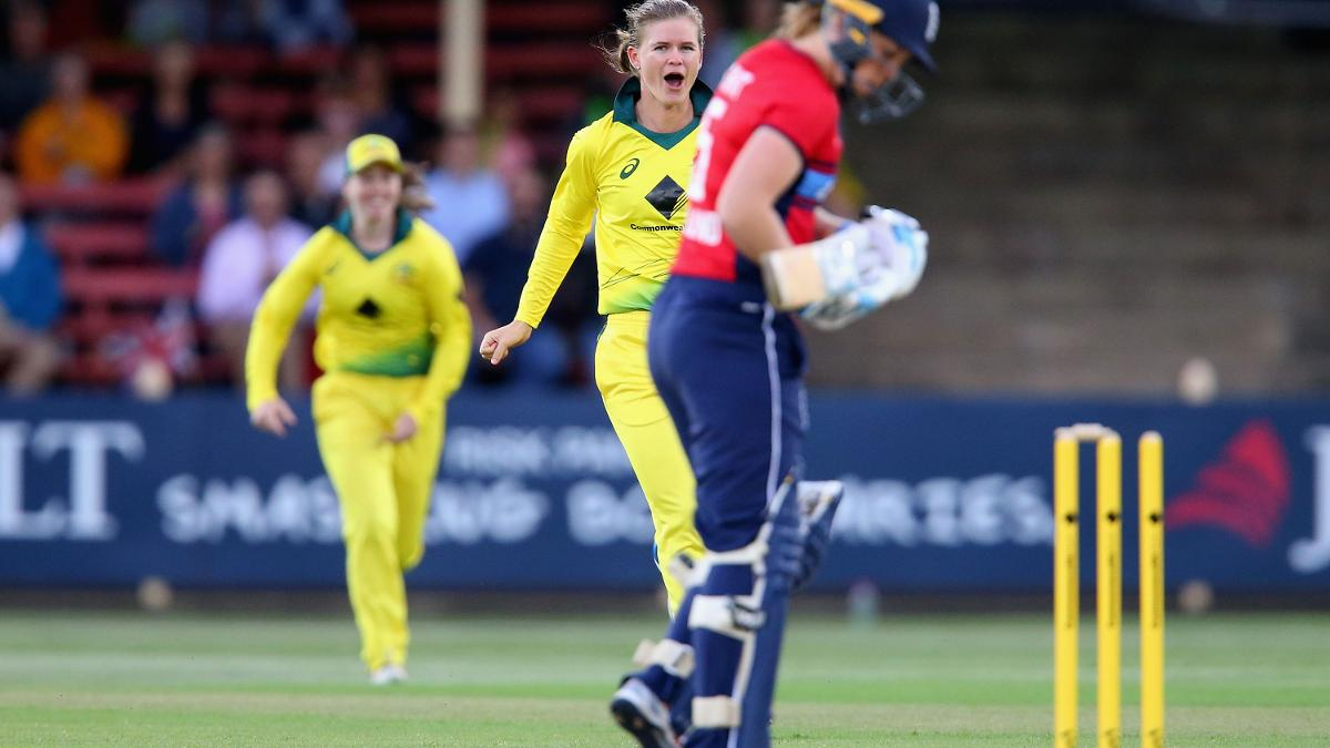 Captain Heather Knight was out second ball
