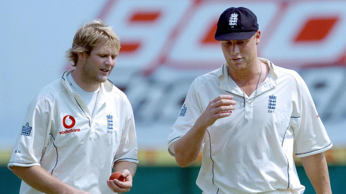 Matthew Hoggard with Andrew Flintoff in Nagpur 2006