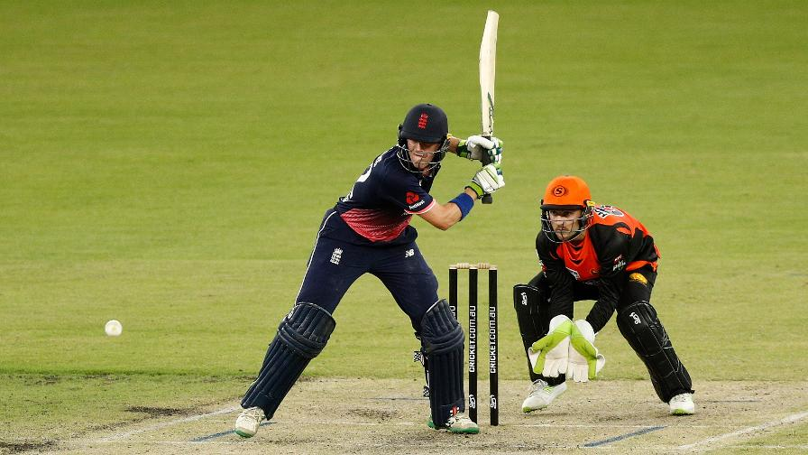Nick Gubbins showed his mettle in front of a parochial Perth crowd with a gutsy half century against a fired-up Mitchell Johnson which took England Lions tantalisingly close to a second win in three days against the Perth Scorchers