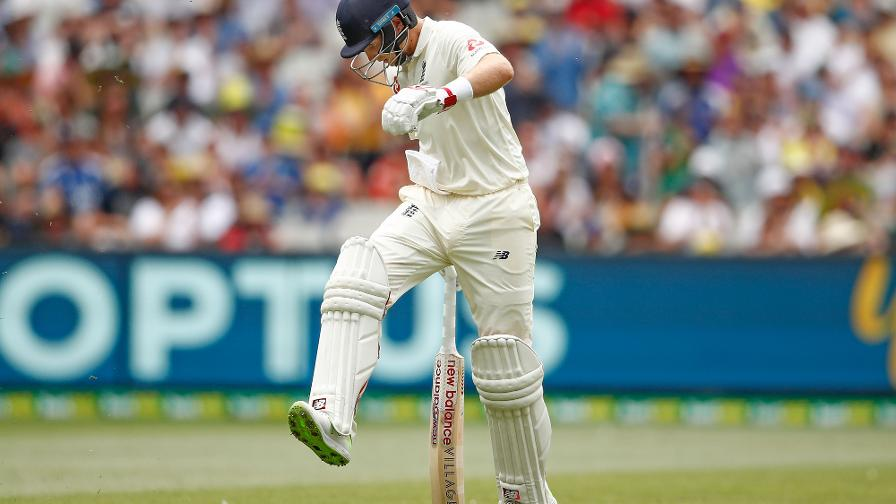 ANGRY MAN - Root boots the turf in frustration