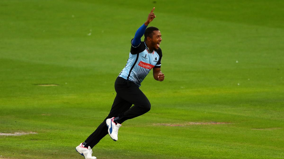 Chris Jordan in Sussex Sharks action