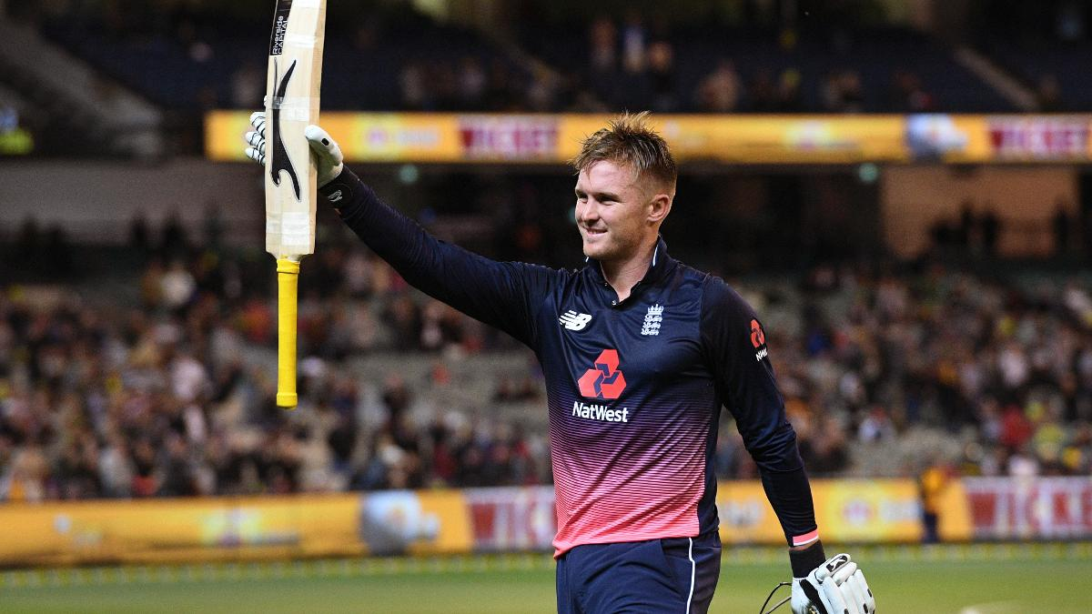 Jason Roy takes in the applause as he leaves the MCG after his wonderful 180