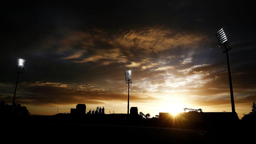 Day turns into night as England level the series in New Zealand