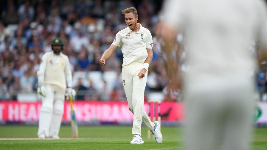 Stuart Broad celebrates cleaning up the Pakistan tail and levelling the series 1-1