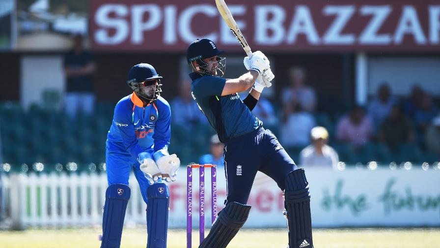 England Lions lose first Tri-Series game