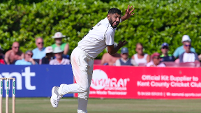 Patel and Hannon-Dalby give Warwickshire edge