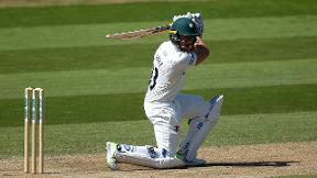 Clarke produces excellent 177* to rescue Worcestershire