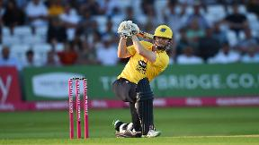 Ed Pollock smashes 28 runs off 9 balls