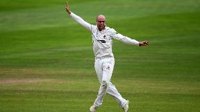 WATCH: Jack Leach takes 5/28