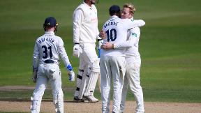Harmer takes 6 before batsman give Essex control