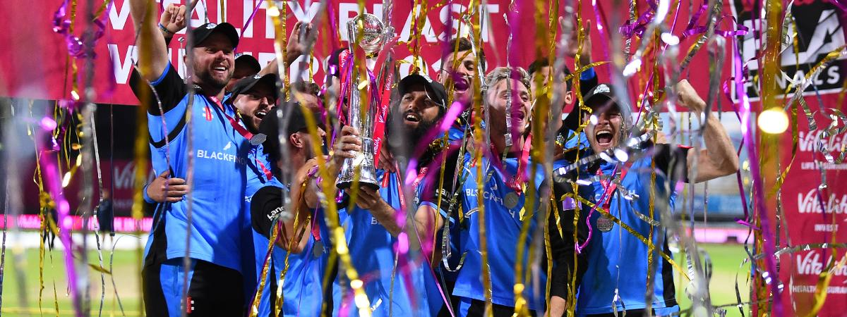 Worcestershire Rapids lift the Vitality Blast trophy