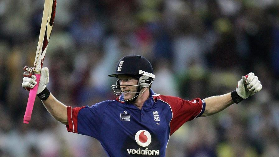 Back-to-back ODI centuries in Australia for Collingwood sees England win their first overseas one-day trophy for nine years