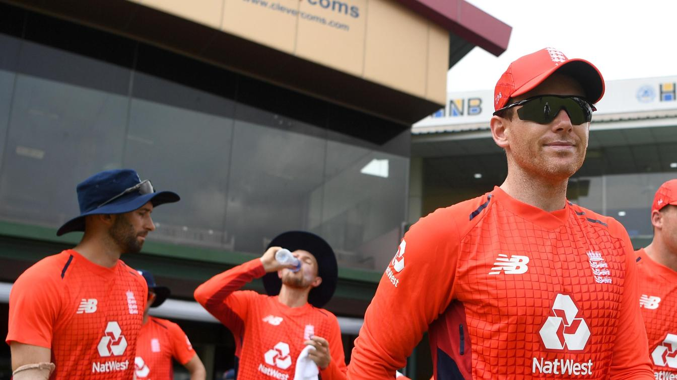 Eoin Morgan warm up in Sri Lanka