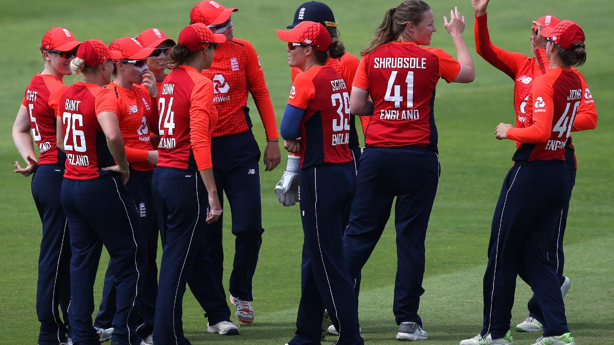 Anya Shrubsole celebrates an IT20 wicket against South Africa