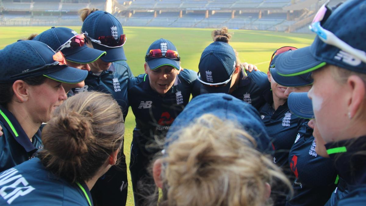 England Women captain Heather Knight leads the pre-match team talk