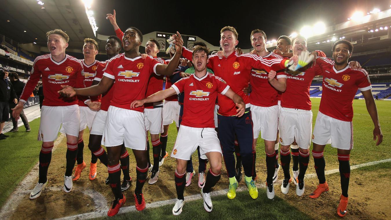 Man Utd won 3-2 against Spurs at White Hart Lane to seal the title