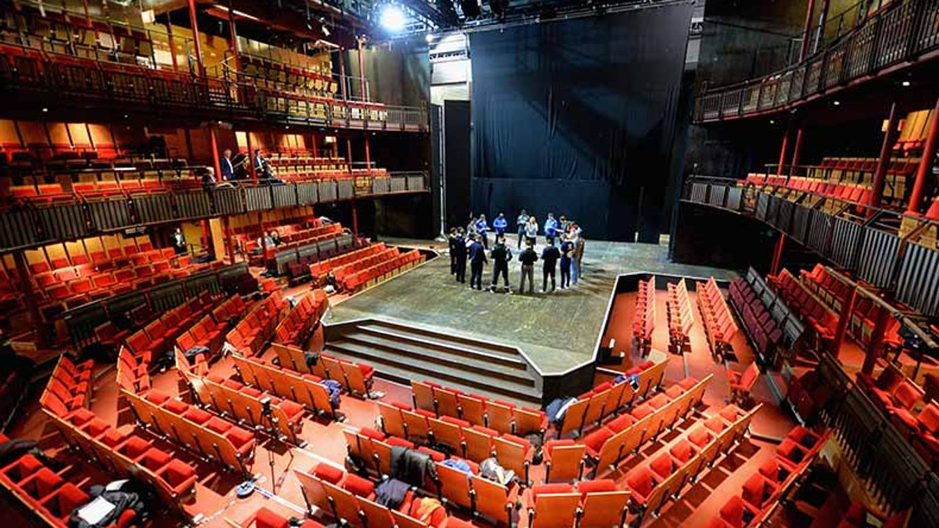 The ECAS course has also involved taking coaches to the Royal Shakespeare Company