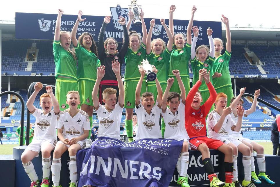 premier-league-schools-tournament-2016-sunderland-swansea-trophy