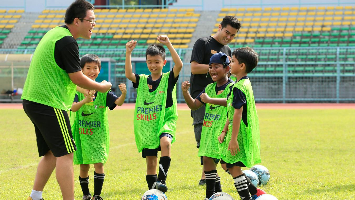 premier-skills-malaysia-060214-participants-playing-2