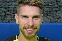 ron-robert-zieler-signs-for-leicester-city-shirt-030616-credit-v2.jpg